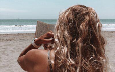 Leestip: 4 x boeken die niet mogen ontbreken in je koffer dit jaar
